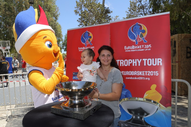 Frenkie gained another young admirer on the latest Trophy Tour stop