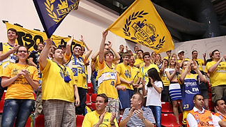 Oldenburg fans supporting their team during the third-place game against Gravelines Dunkerque