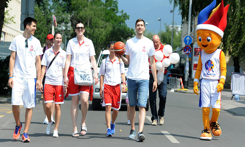 The relay during the Trophy Tour stop in Zagreb featured current youth and women's national team players